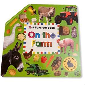 A Fold-Out Book: On the Farm by Priddy Books